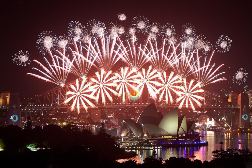 sydney-harbour-new-years-eve-fireworks-2013